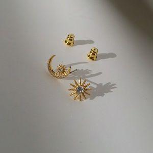 Tiny star & moon Stud Earrings